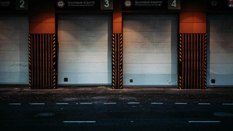 Jaka powinna być odpowiednia brama garażowa?